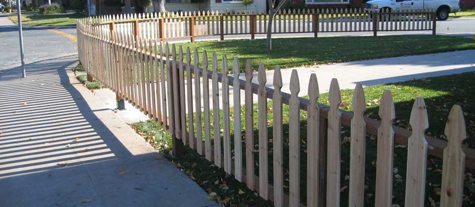 Picket fences fence installation salinas san jose for Easy fence installation